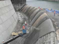 Hydrodemolition and Shotcrete for Rehabilitating a Reservoir Spillway